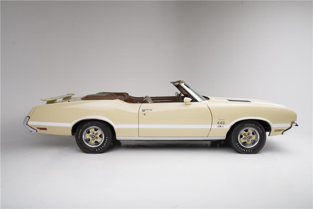 1972 OLDSMOBILE 442 CONVERTIBLE - Side Profile - 160957