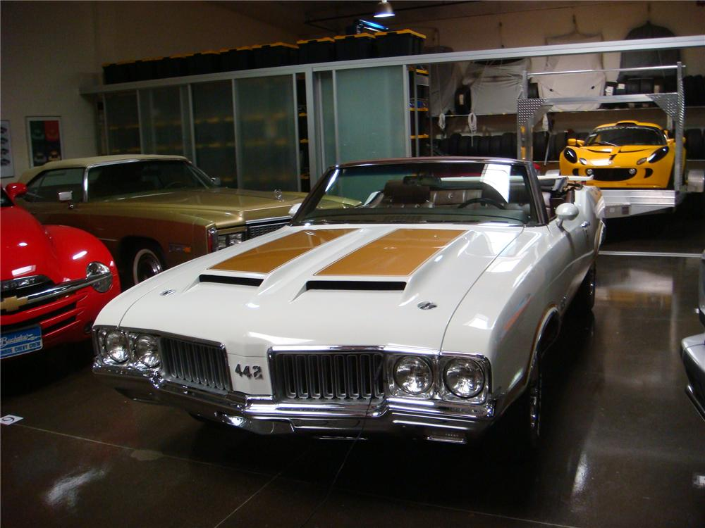 1970 OLDSMOBILE 442 W30 CONVERTIBLE - Front 3/4 - 160985