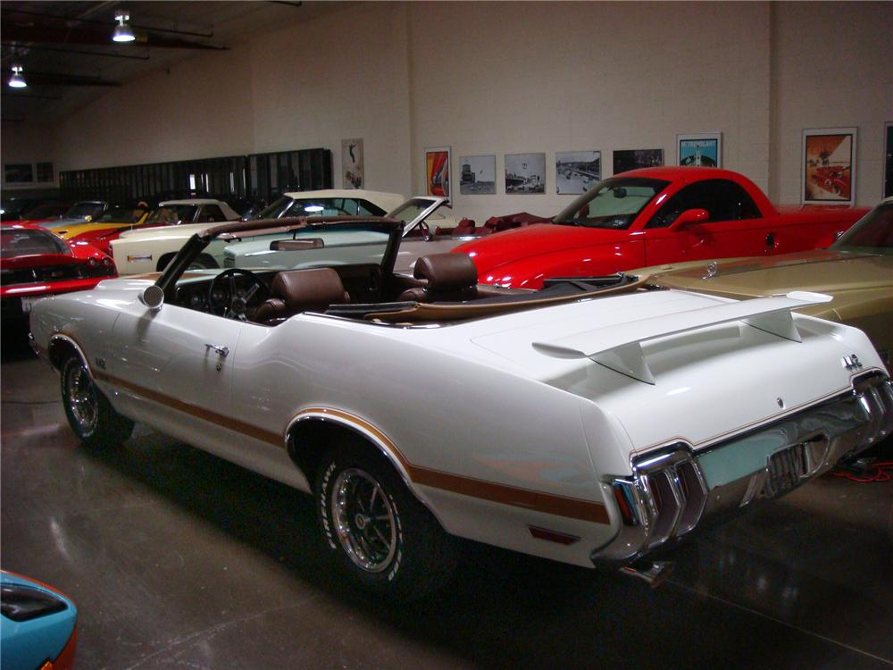 1970 OLDSMOBILE 442 W30 CONVERTIBLE - Rear 3/4 - 160985