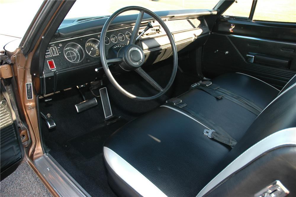 1970 PLYMOUTH HEMI ROAD RUNNER 2 DOOR COUPE - Interior - 160994