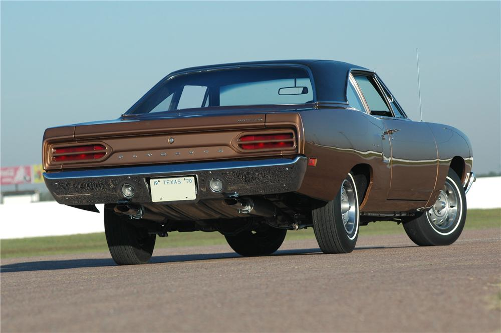 1970 PLYMOUTH HEMI ROAD RUNNER 2 DOOR COUPE - Rear 3/4 - 160994