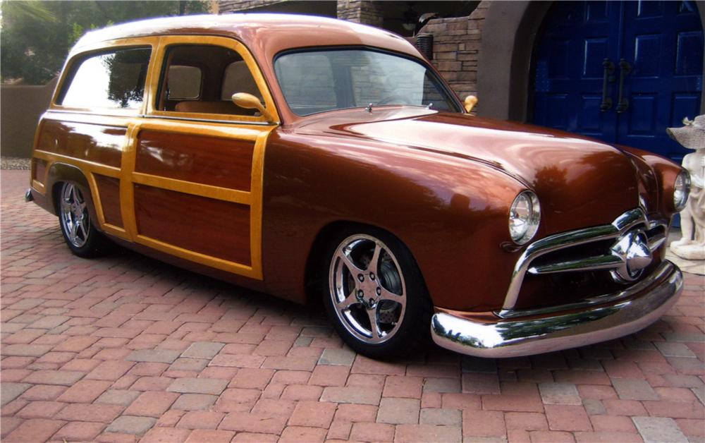 1950 FORD CUSTOM DELUXE CUSTOM WOODY WAGON - Front 3/4 - 161006