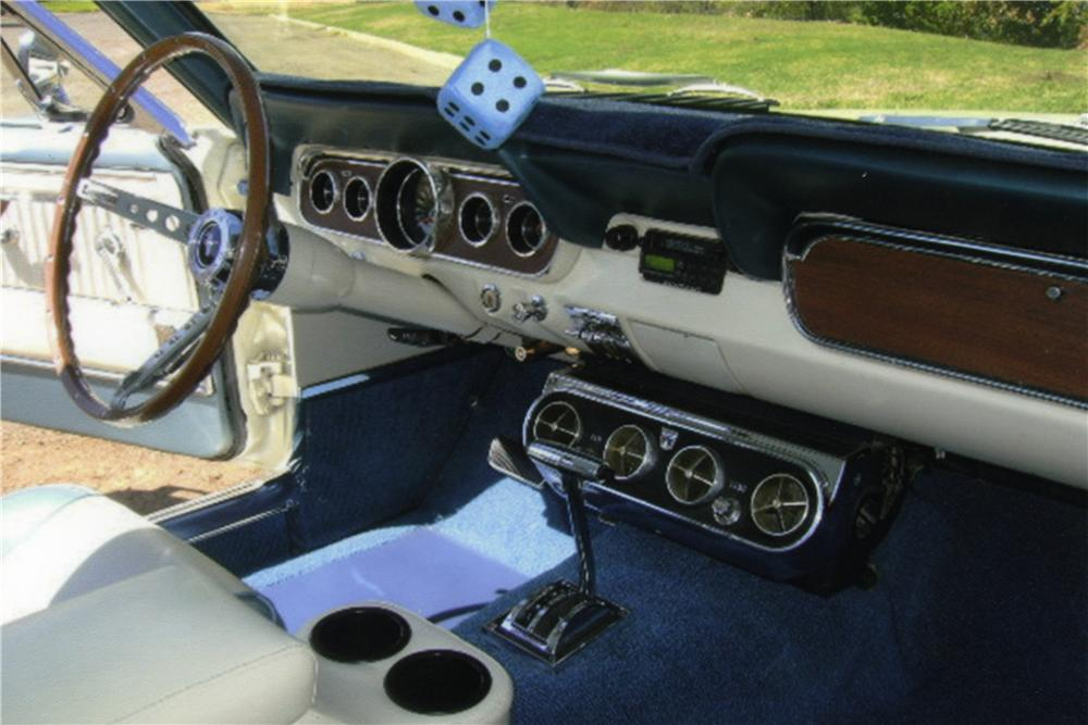 1966 FORD MUSTANG FASTBACK - Interior - 161031