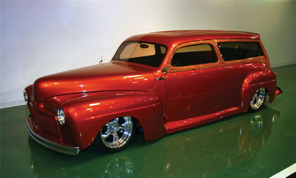 1948 FORD CUSTOM WOODY WAGON - Front 3/4 - 16104