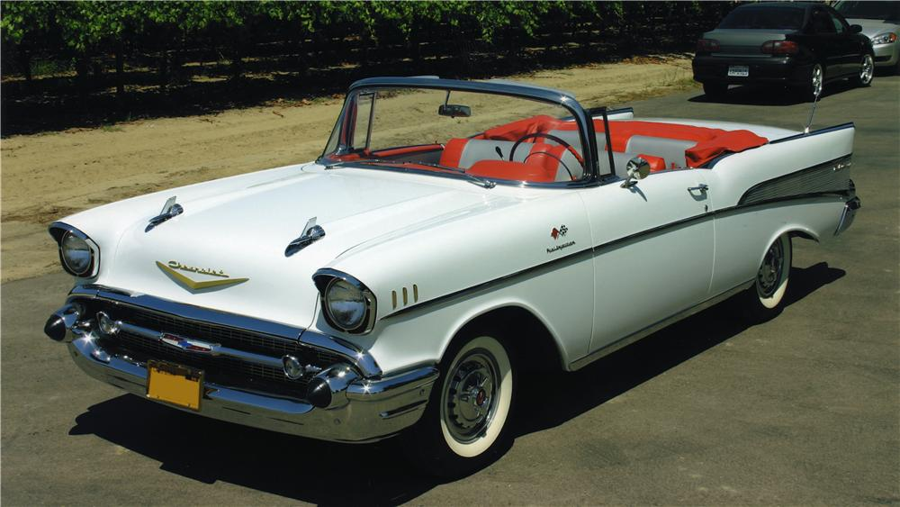 1957 CHEVROLET BEL AIR CONVERTIBLE - Front 3/4 - 161042