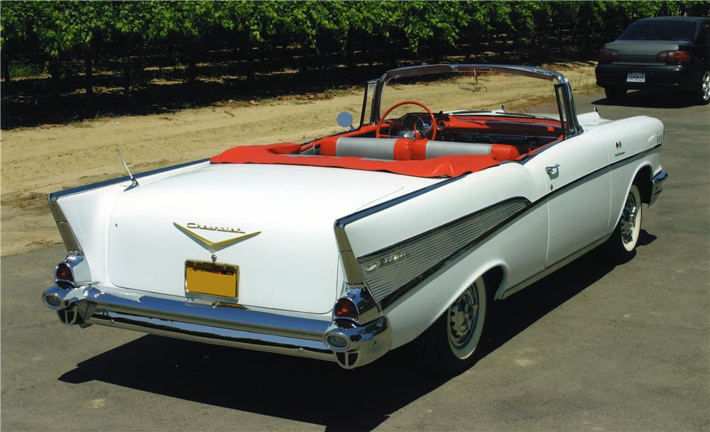 1957 CHEVROLET BEL AIR CONVERTIBLE - Rear 3/4 - 161042