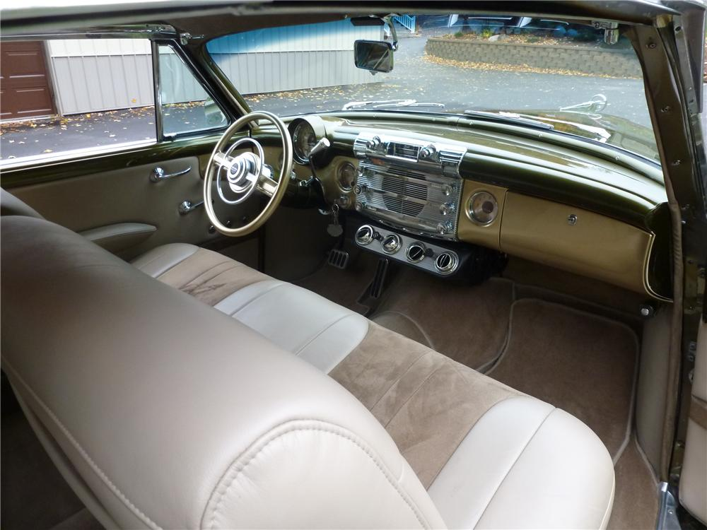 1952 BUICK SUPER 8 CUSTOM 2 DOOR HARDTOP - Interior - 161071