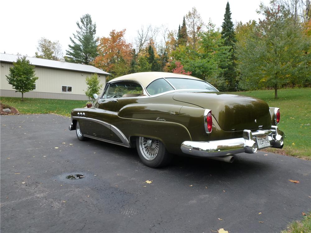 1952 BUICK SUPER 8 CUSTOM 2 DOOR HARDTOP - Rear 3/4 - 161071