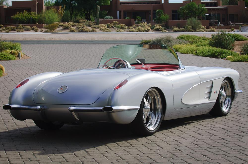 1960 CHEVROLET CORVETTE CUSTOM TOPLESS ROADSTER - Rear 3/4 - 161082