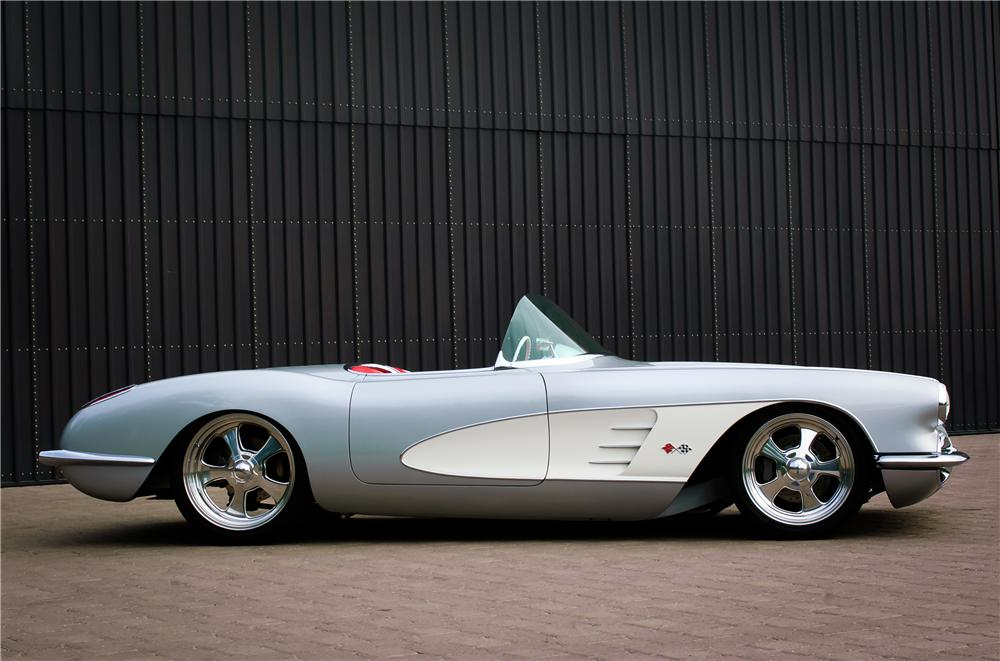 1960 CHEVROLET CORVETTE CUSTOM TOPLESS ROADSTER - Side Profile - 161082