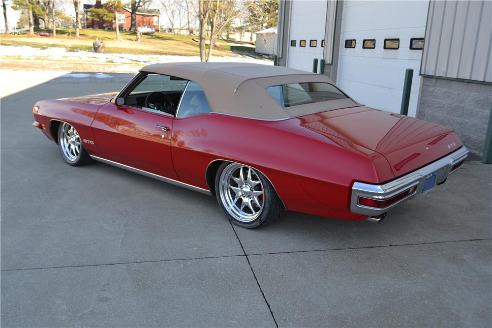 1971 PONTIAC GTO CUSTOM CONVERTIBLE - Rear 3/4 - 161085