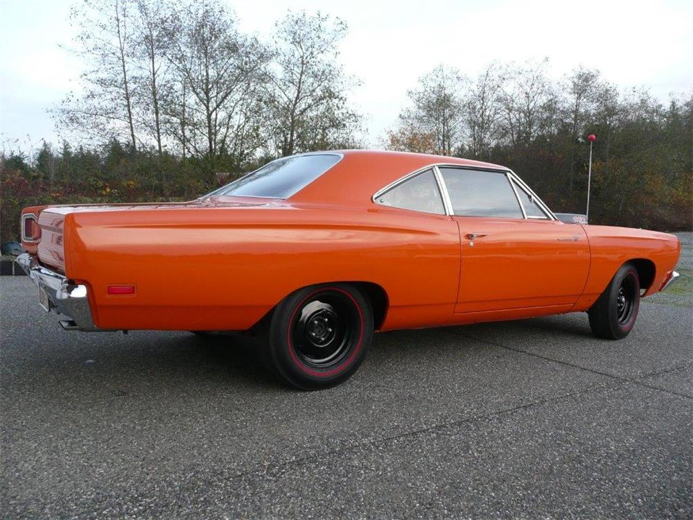 1969 PLYMOUTH ROAD RUNNER 2 DOOR SEDAN - Rear 3/4 - 161088