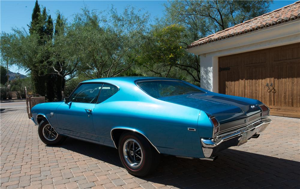 1969 CHEVROLET CHEVELLE SS 396 2 DOOR HARDTOP - Rear 3/4 - 161096