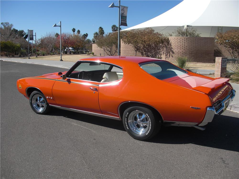 1969 PONTIAC GTO JUDGE 2 DOOR COUPE - Rear 3/4 - 161105