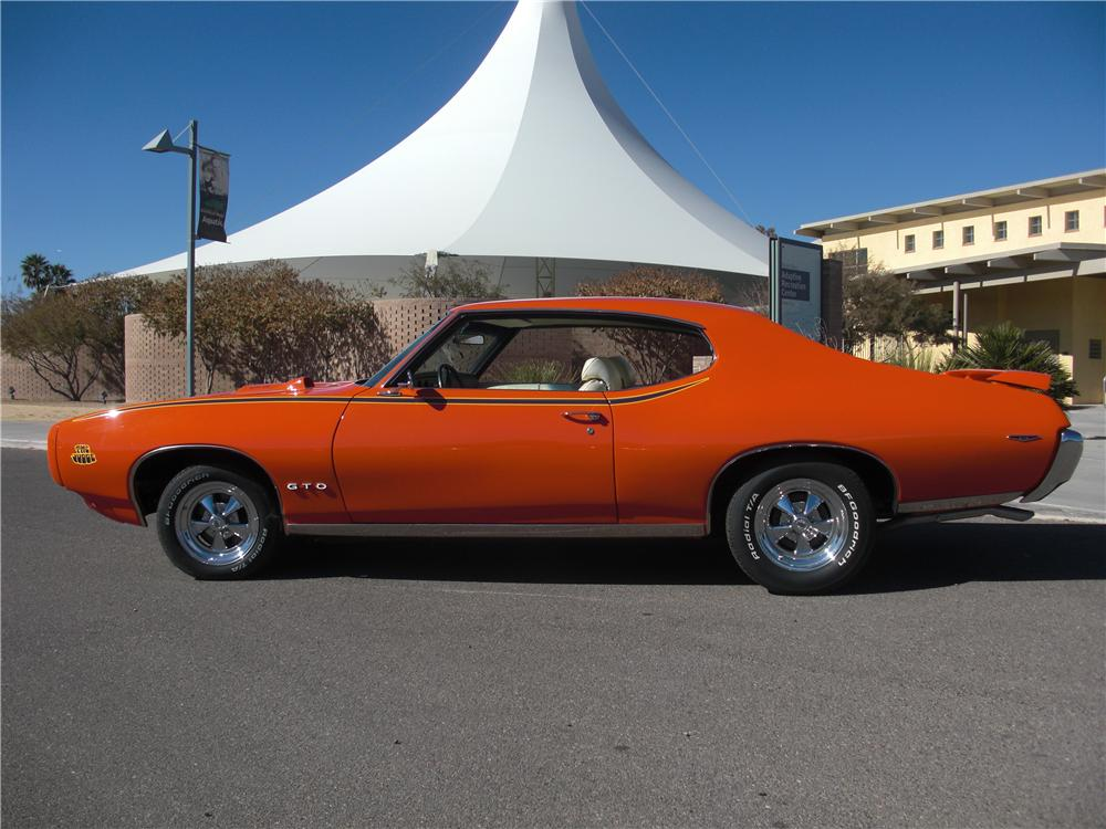 1969 PONTIAC GTO JUDGE 2 DOOR COUPE - Side Profile - 161105