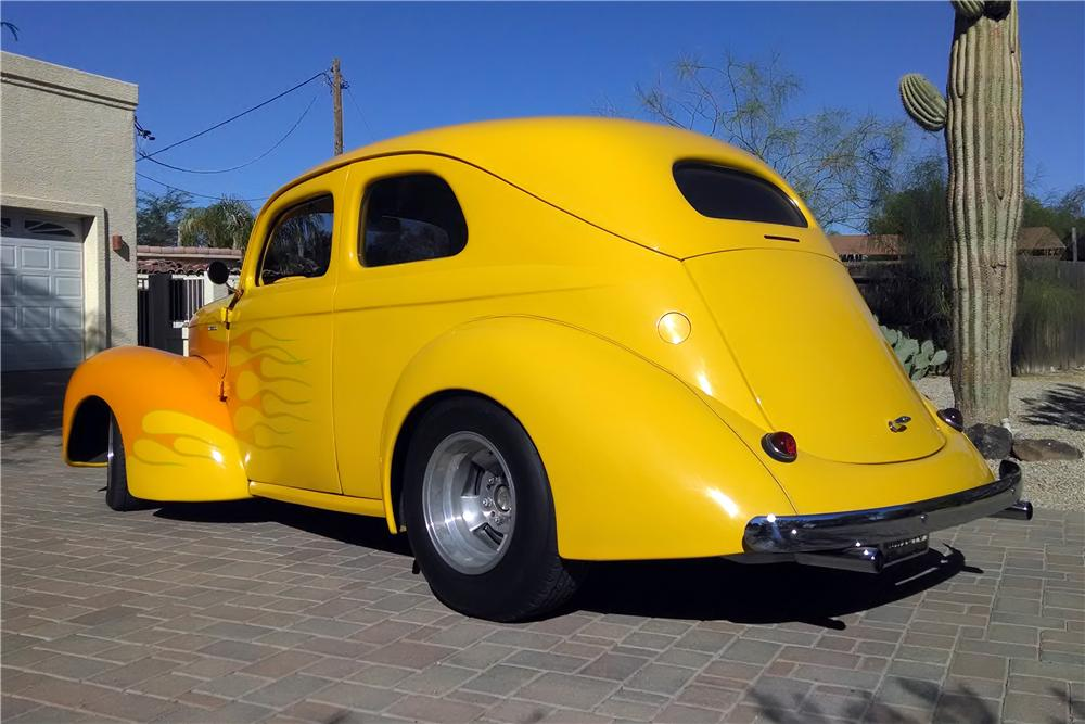 1940 WILLYS CUSTOM 2 DOOR SEDAN - Rear 3/4 - 161107