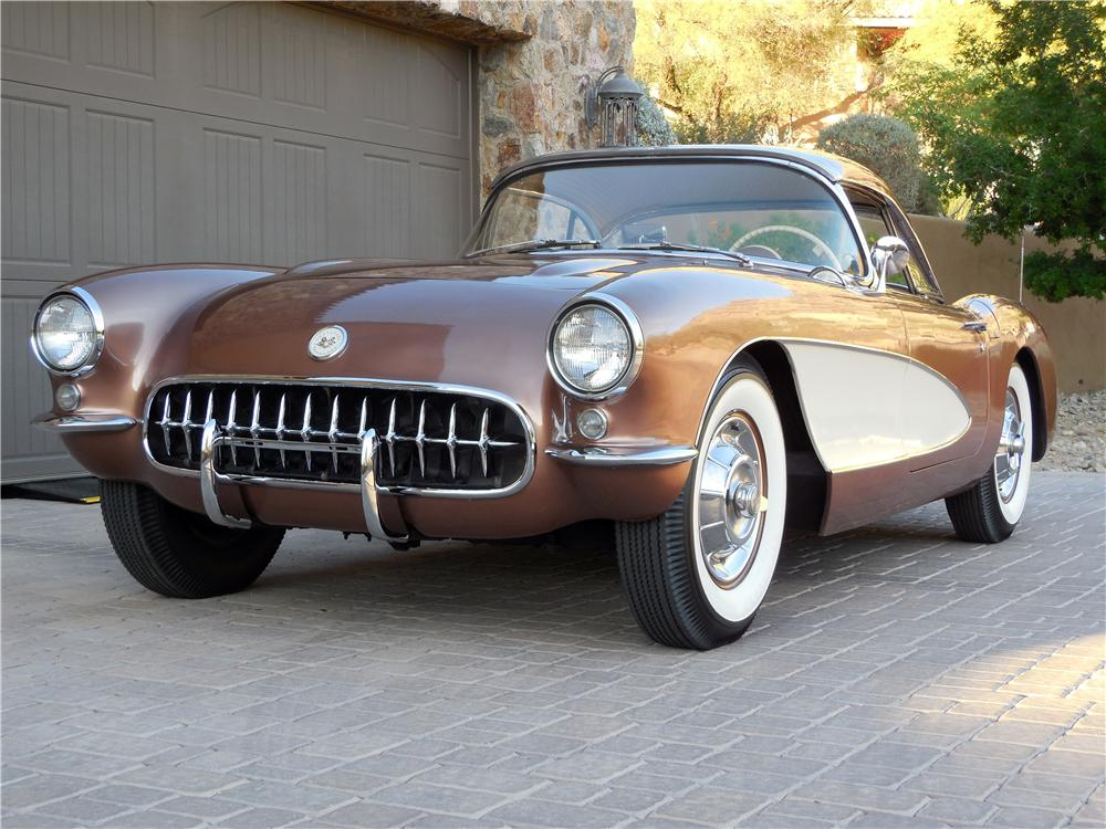 1957 CHEVROLET CORVETTE CONVERTIBLE - Front 3/4 - 161108