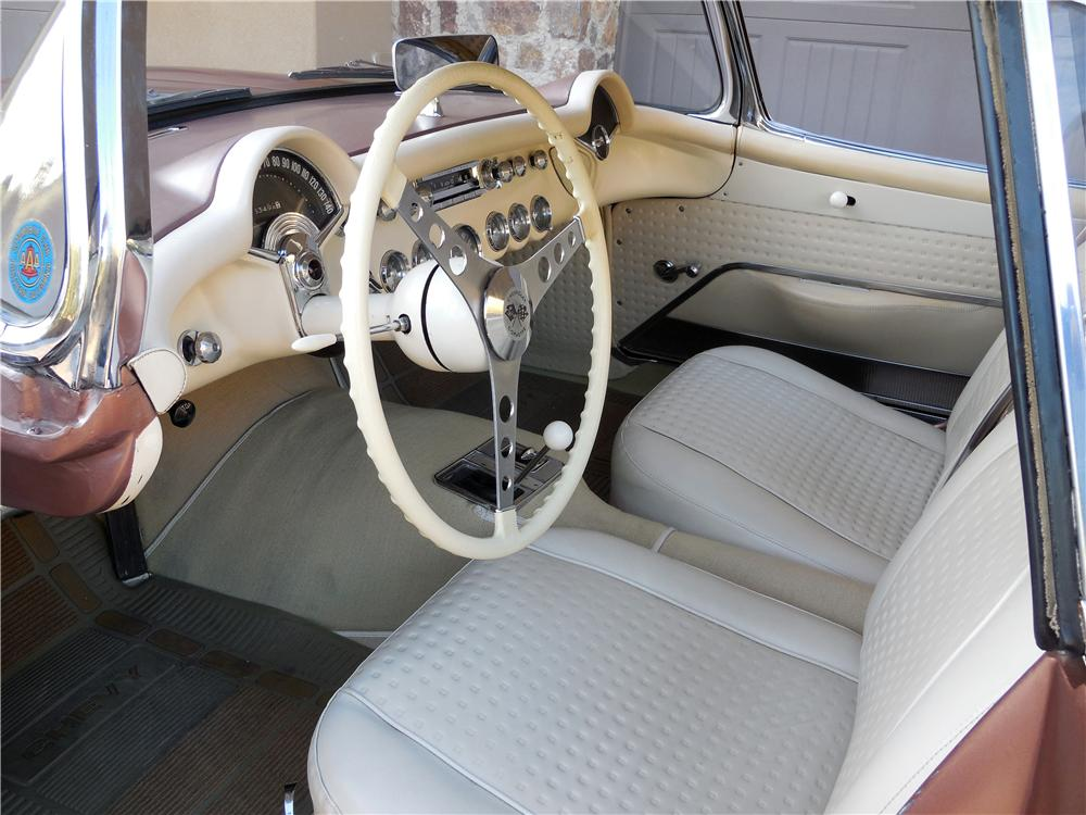 1957 CHEVROLET CORVETTE CONVERTIBLE - Interior - 161108