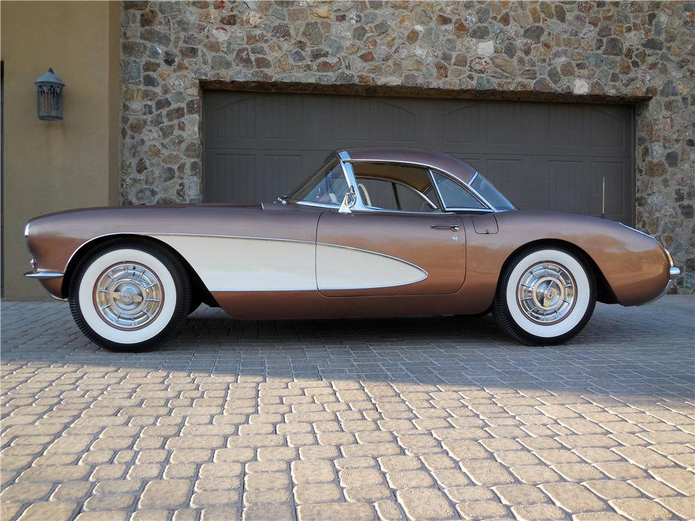 1957 CHEVROLET CORVETTE CONVERTIBLE - Side Profile - 161108