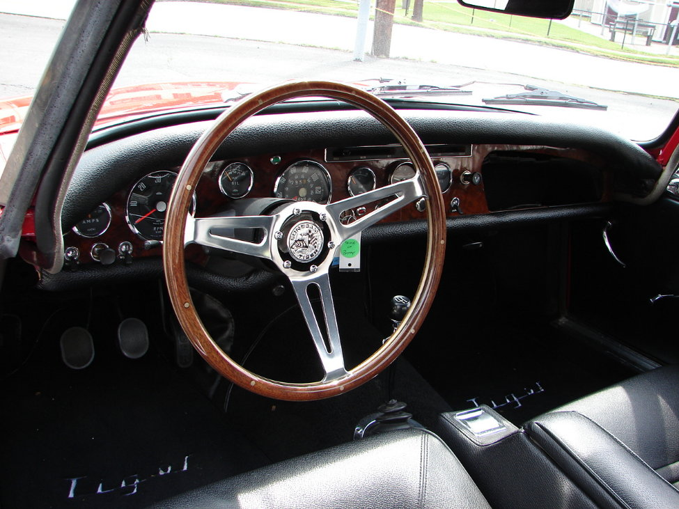 1966 SUNBEAM TIGER CONVERTIBLE - Interior - 161117
