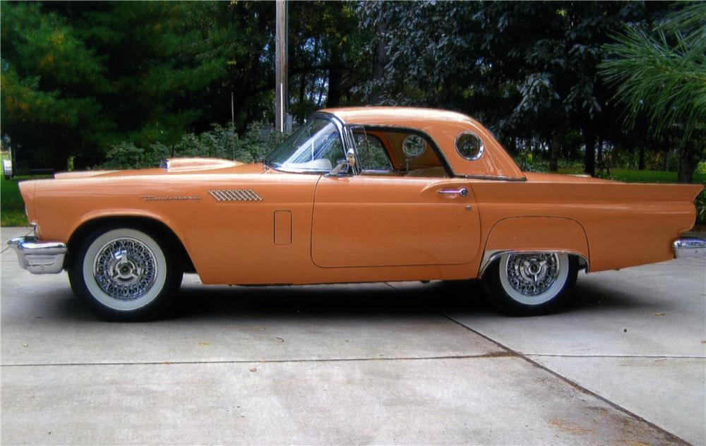 1957 FORD THUNDERBIRD CONVERTIBLE - Side Profile - 161127