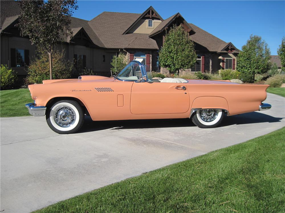 1957 FORD THUNDERBIRD CONVERTIBLE - Side Profile - 161139