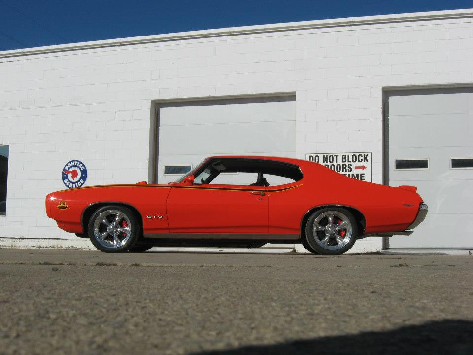 1969 PONTIAC GTO CUSTOM 2 DOOR HARDTOP - Side Profile - 161145