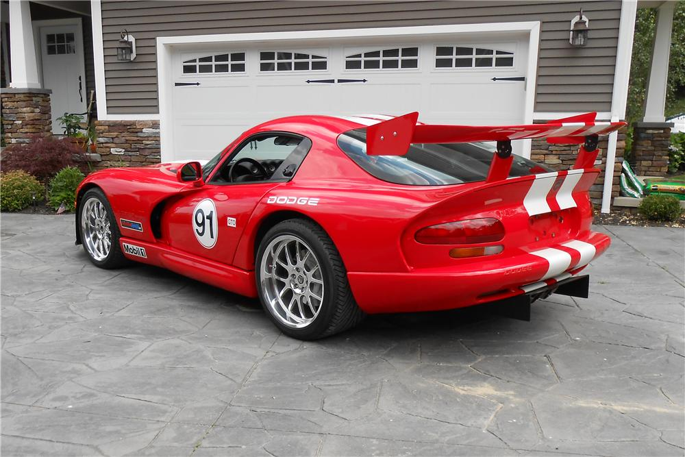 2002 DODGE VIPER GTS 2 DOOR COUPE - Rear 3/4 - 161146