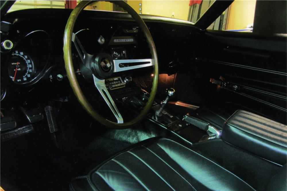 1968 CHEVROLET CORVETTE CONVERTIBLE - Interior - 161148