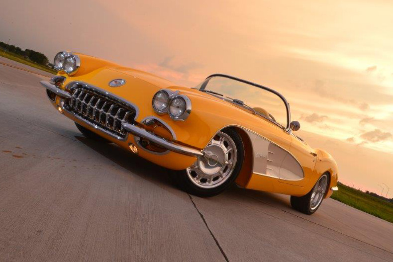 1960 CHEVROLET CORVETTE CUSTOM CONVERTIBLE - Front 3/4 - 161157