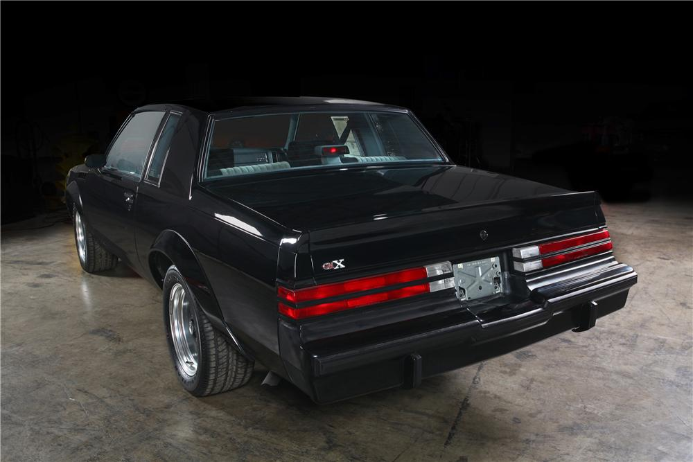 1987 BUICK GNX 2 DOOR HARDTOP - Rear 3/4 - 161163