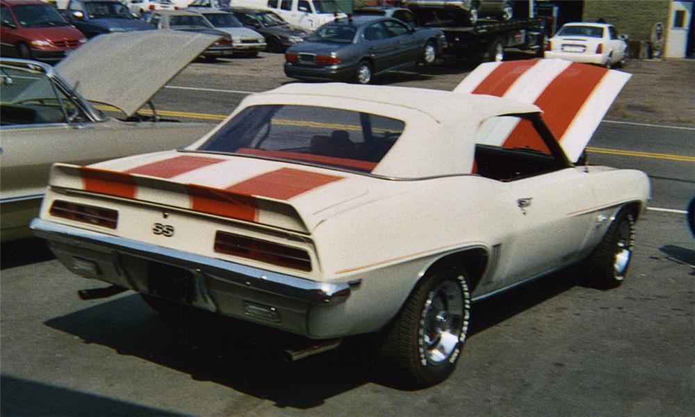 1969 CHEVROLET CAMARO SS PACE CAR CONVERTIBLE - Rear 3/4 - 16117
