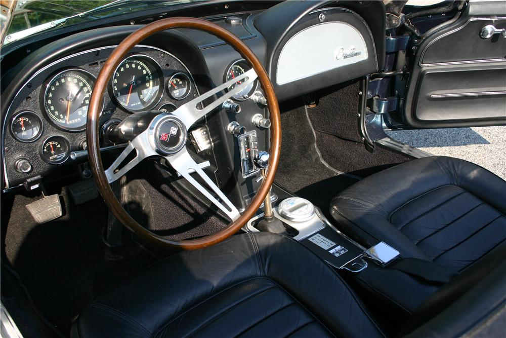 1966 CHEVROLET CORVETTE CONVERTIBLE - Interior - 161177
