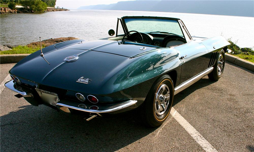 1966 CHEVROLET CORVETTE CONVERTIBLE - Rear 3/4 - 161177