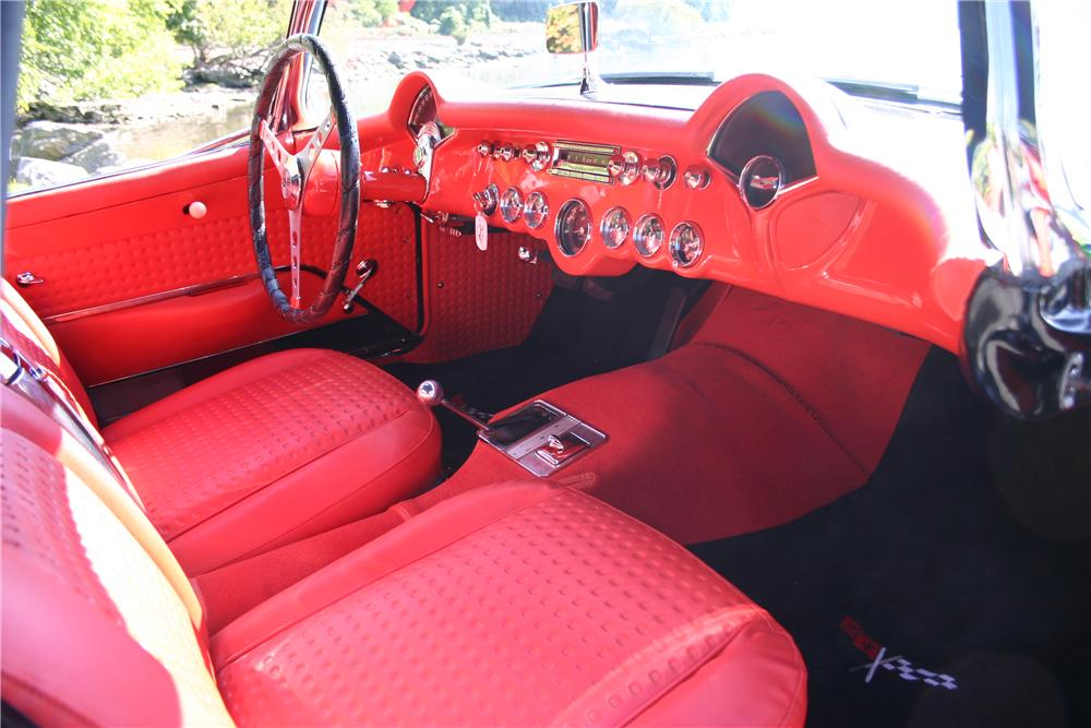 1957 CHEVROLET CORVETTE CONVERTIBLE - Interior - 161179