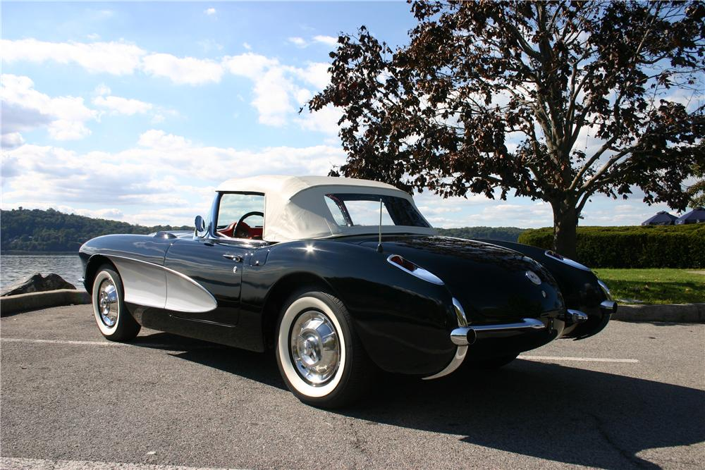 1957 CHEVROLET CORVETTE CONVERTIBLE - Rear 3/4 - 161179