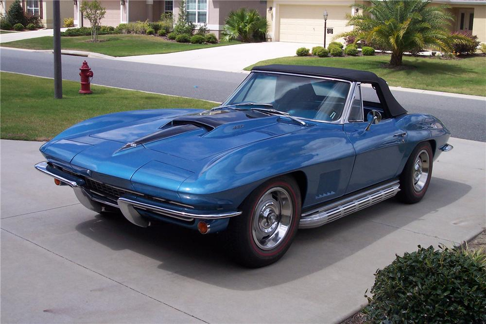 1967 CHEVROLET CORVETTE CONVERTIBLE - Front 3/4 - 161180