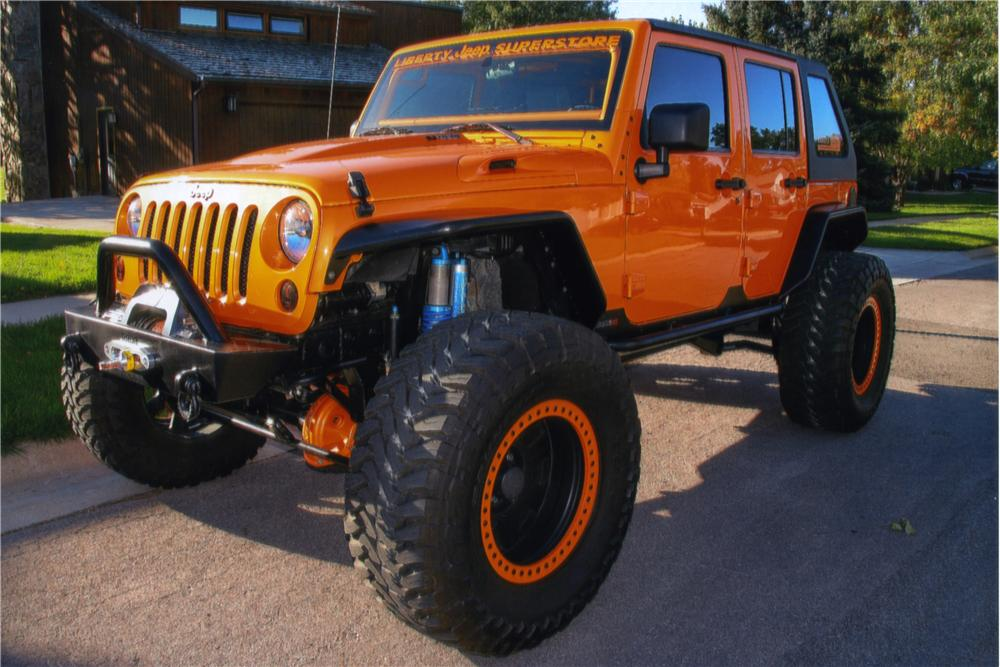 2009 JEEP WRANGLER UNLIMITED CUSTOM SUV - Front 3/4 - 161184