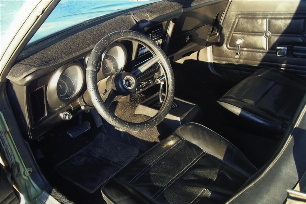 1971 FORD MUSTANG 2 DOOR COUPE - Interior - 161193