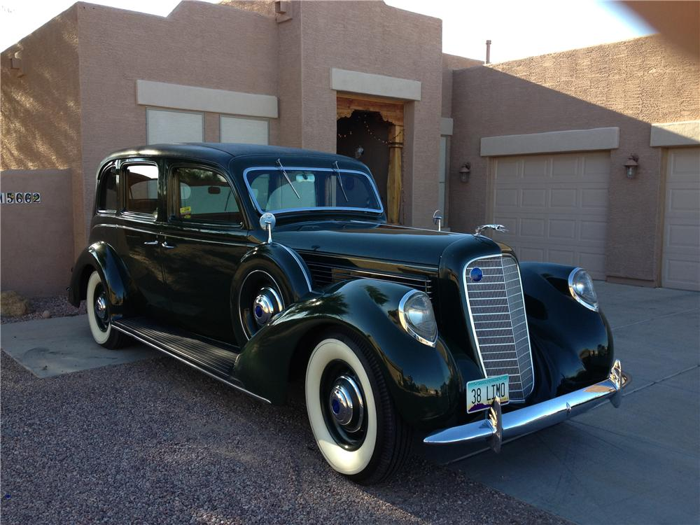 1938 LINCOLN FORMAL LIMOUSINE - Front 3/4 - 161195