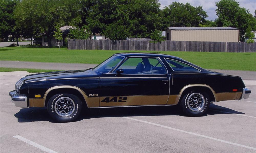 1977 OLDSMOBILE CUTLASS 442 COUPE - Side Profile - 16120