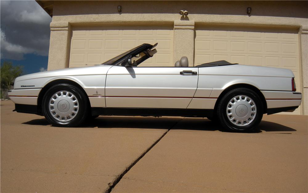 1993 CADILLAC ALLANTE CONVERTIBLE - Side Profile - 161210