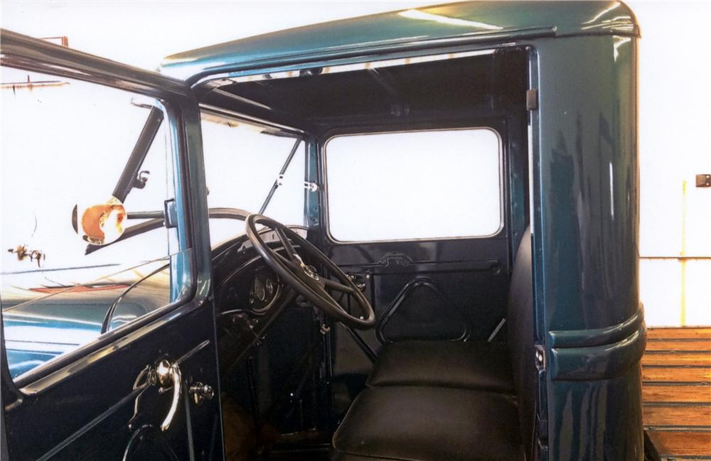 1932 FORD MODEL B 1 TON TRUCK - Interior - 161215