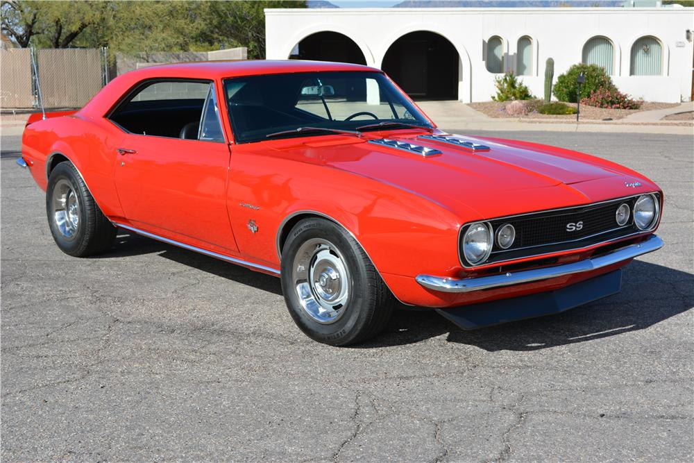 1967 CHEVROLET CAMARO CUSTOM 2 DOOR COUPE - Front 3/4 - 161220