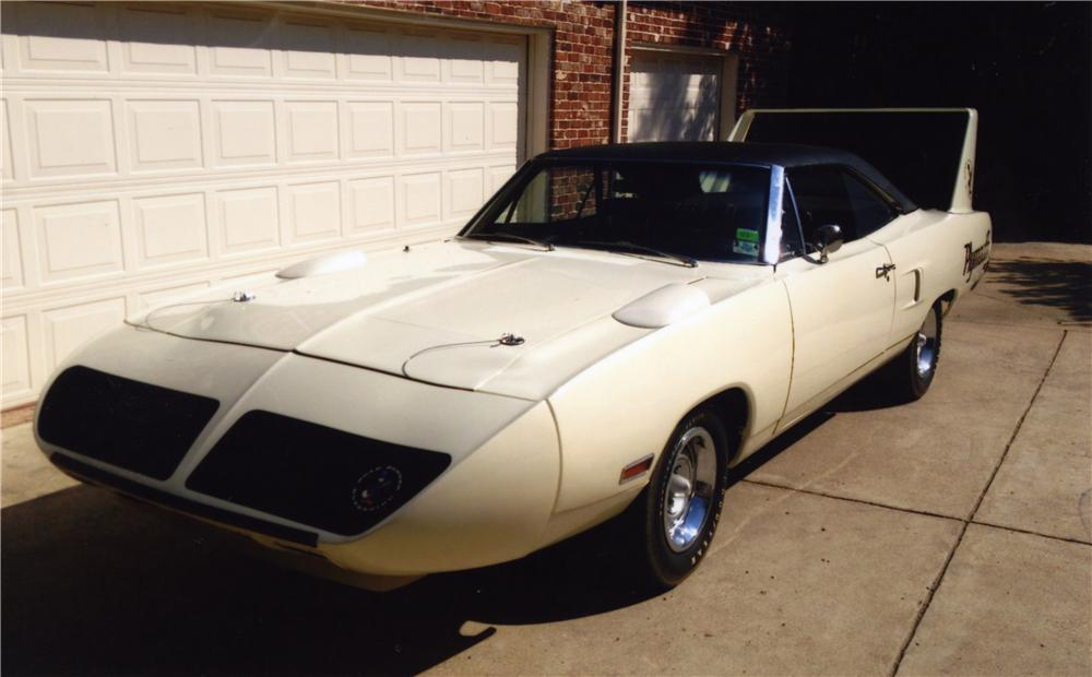 1970 PLYMOUTH SUPERBIRD 2 DOOR HARDTOP - Front 3/4 - 161228