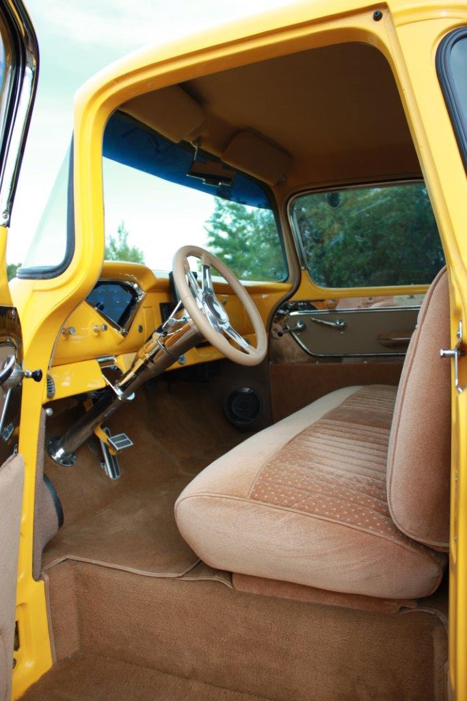 1955 CHEVROLET 3100 CUSTOM PICKUP - Interior - 161236