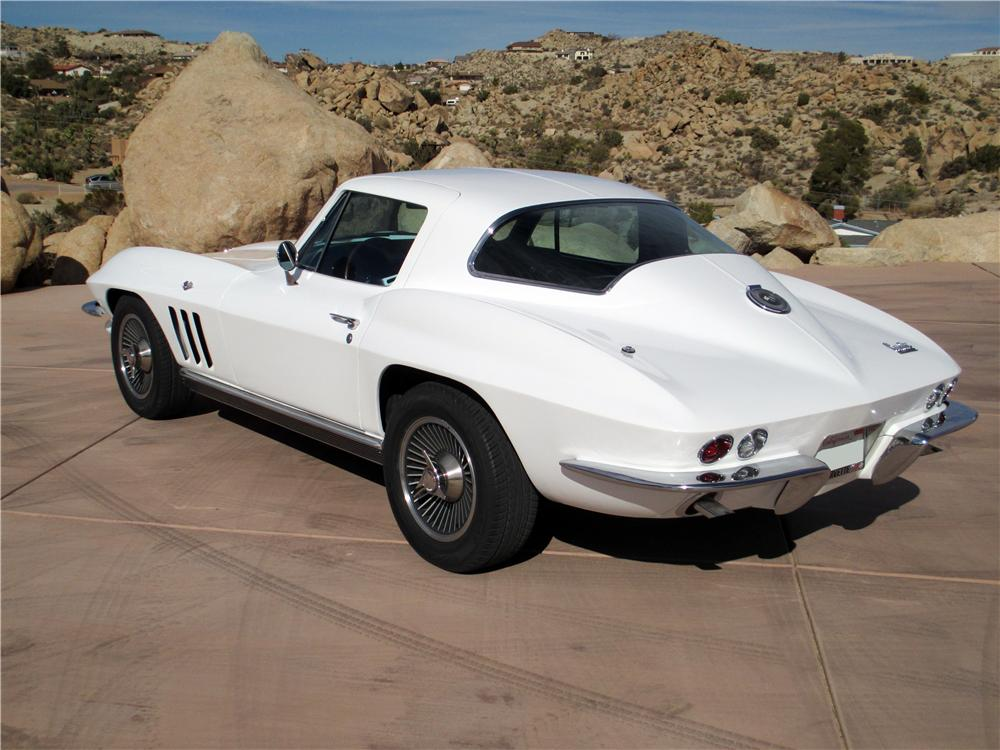 1966 CHEVROLET CORVETTE 2 DOOR COUPE - Rear 3/4 - 161238
