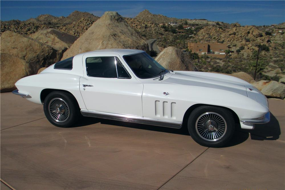 1966 CHEVROLET CORVETTE 2 DOOR COUPE - Side Profile - 161238