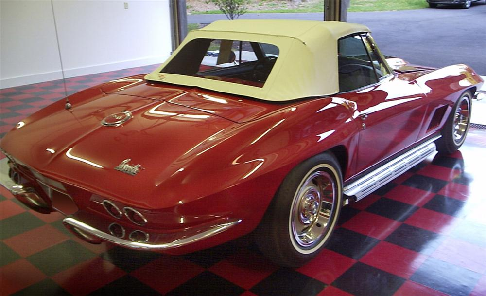 1967 CHEVROLET CORVETTE 427/435 CONVERTIBLE - Rear 3/4 - 16124