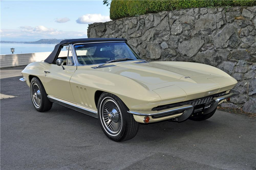 1966 CHEVROLET CORVETTE CONVERTIBLE - Front 3/4 - 161243